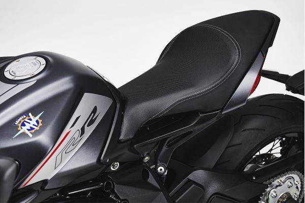 dragster-9863E2372-65F8-8636-7E21-ABBF20ABE37E.jpg